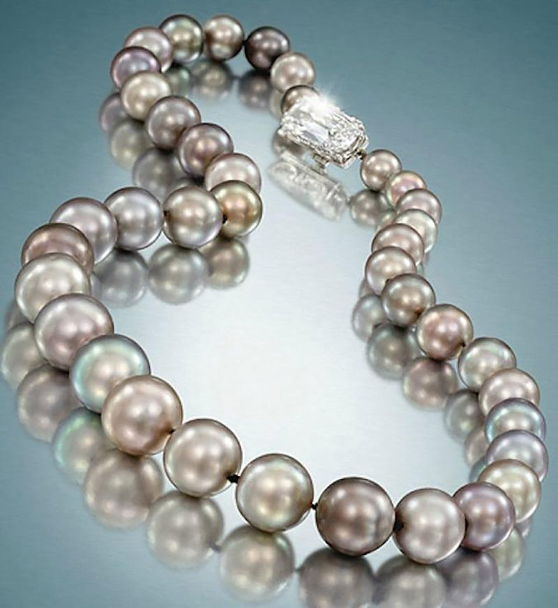 Cowdray-Black-Pearl-Necklace