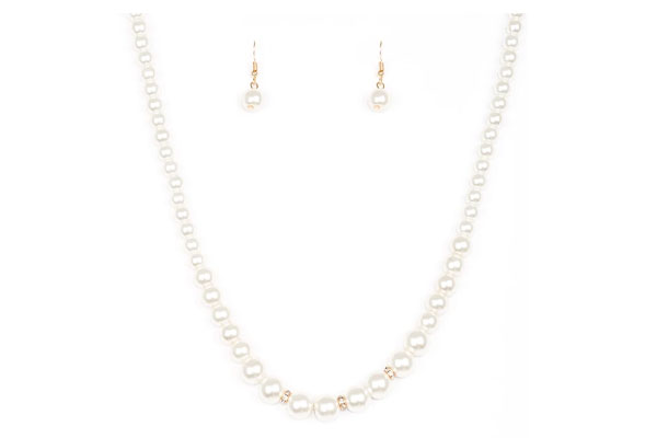 Luminescent-White-Necklace-with-Earrings