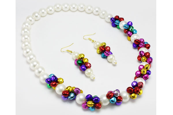 Multicolored-Pearl-Necklace-with-Earrings